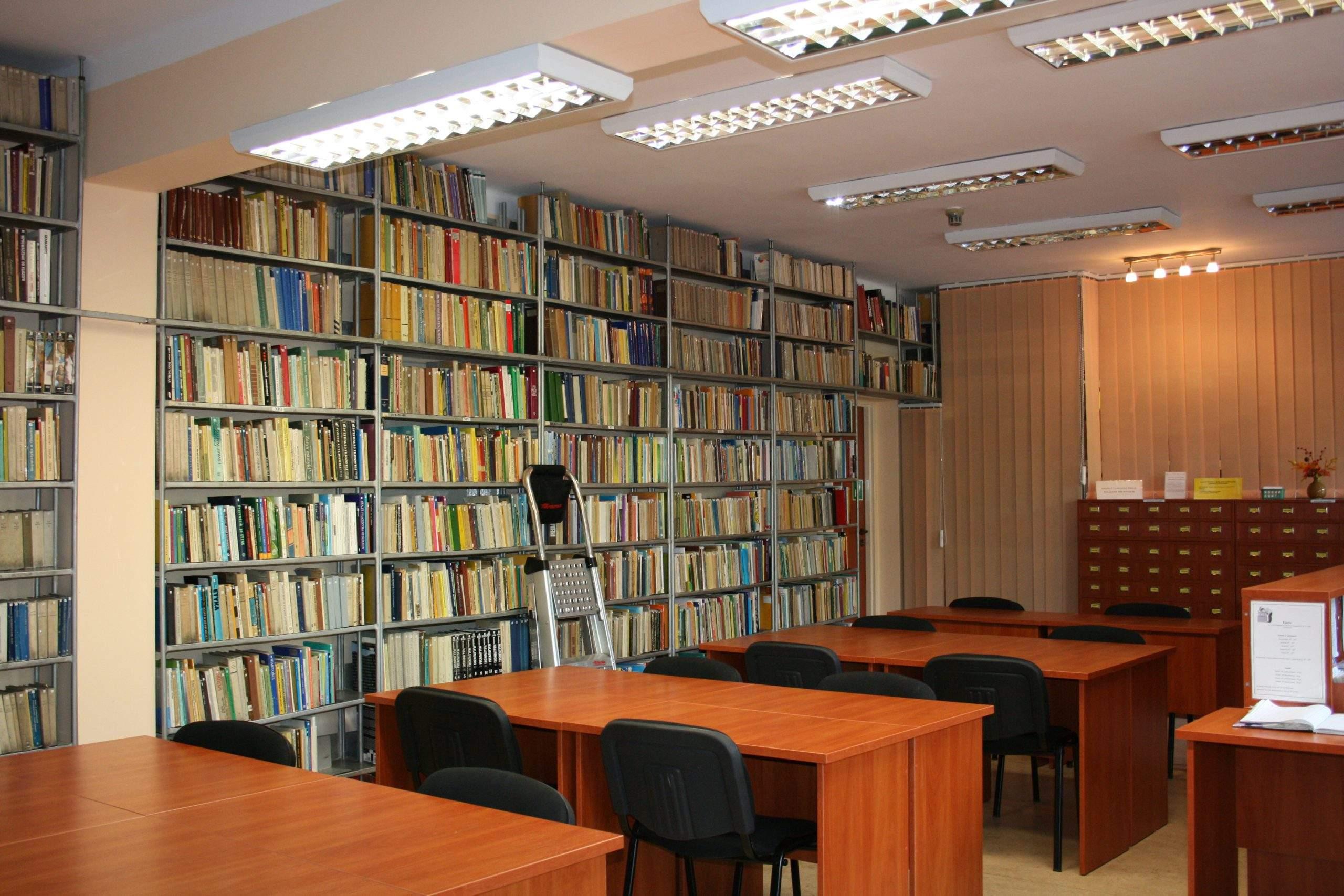 Biblioteka #8211; zmiana godzin pracy